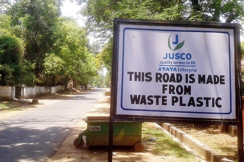 India is Building roads from plastic waste - Future Toads